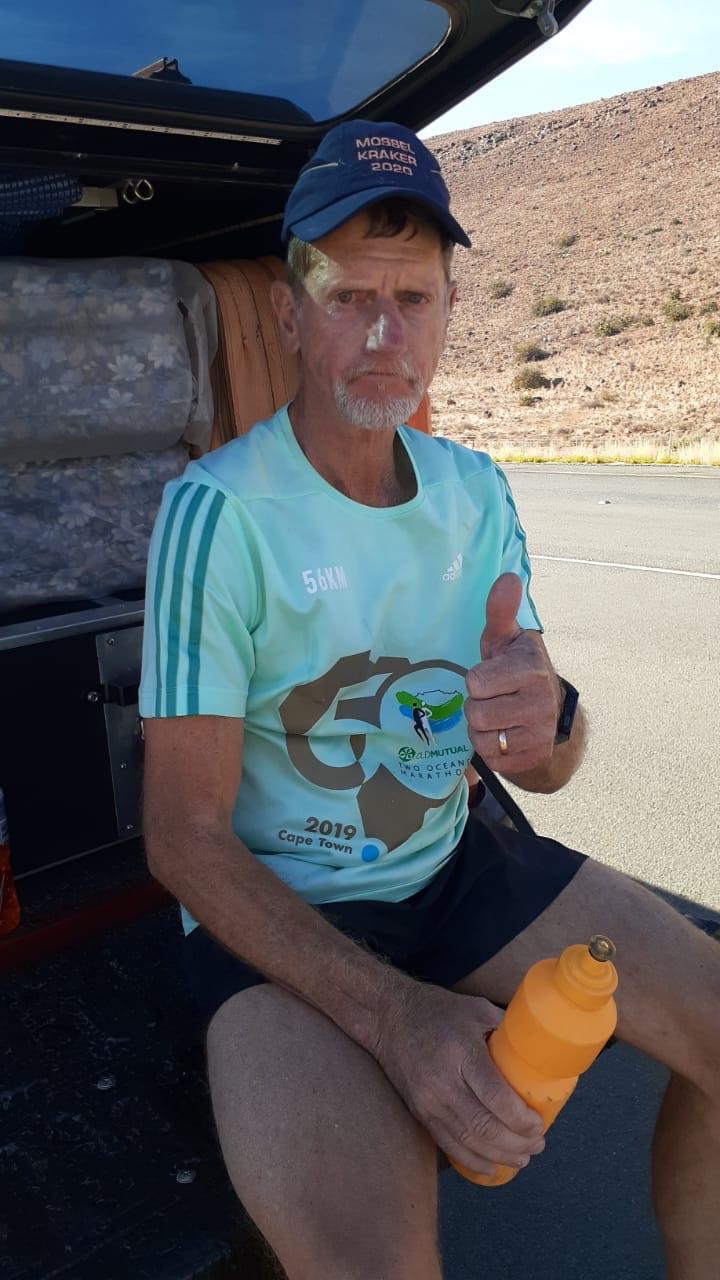 Kalahari trip.  Tweede skof.  Klaarstroom na Drie Susters (200 km op fiets en 50 km op dievoet)