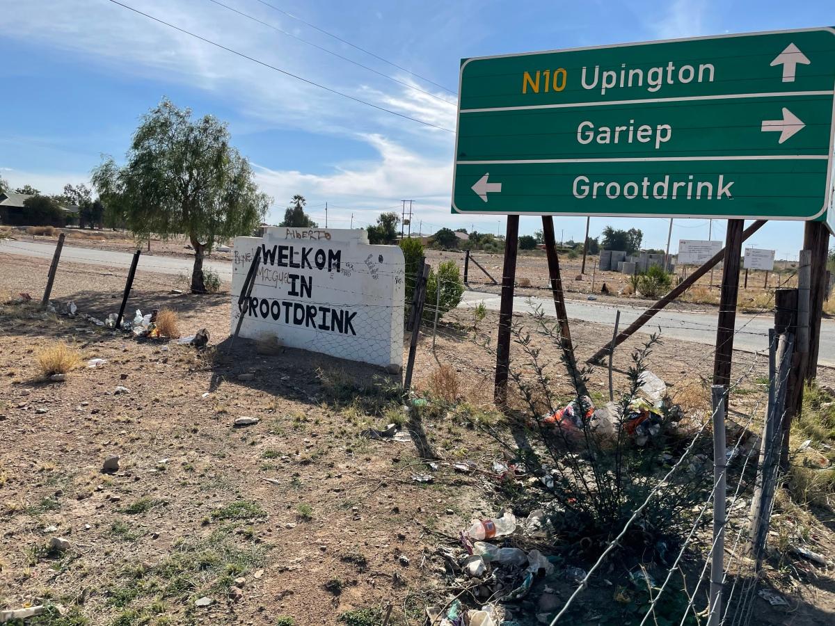 Kalahari trip. Dag 5. Prieska na Grootdrink. 180 km op fiets en 46 km opvoet